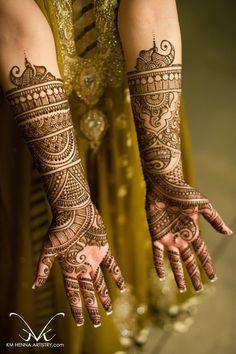 Mehndi Maharani 2013 Finalist: KM Henna Artistry http://maharaniweddings.com/gallery/photo/13798