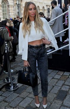 Lauren Pope displays a muscular six pack as she arrives at LFW - Celebrity Fashion Trends