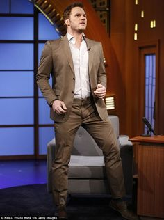Fresh off the back of 'Guardians Of The Galaxy', Chris Pratt's leading role in 'Jurassic World' has meant that 2015 is truly his year.SEE MORE:Chris Pratt's Essex Accent Is So Good He Needs To Be On '. Stan Lee, Jurassic World Actors, Chris Pratt Movies, Rae Dawn Chong, Andy Dwyer, Seth Meyers, Preppy Men, Amy Poehler, Chris Pine