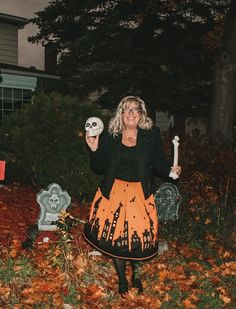 Trick or Treat folks are ya ready for All Hallow's Eve? I am set for the day in a cute halloween skirt from Gamiss. Halloween Skirt, Cute Halloween, Halloween Outfits, Fall Outfits, Costume Halloween, Outdoor Halloween, Cute Skirts, New Friends, Trick Or Treat