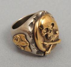 Skull & fleur de lis ring