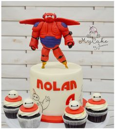 Big Hero 6 Disney Baymax figurine Cake Topper out of fondant