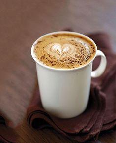 Coffee And Books, I Love Coffee, Coffee Break, Morning Coffee, Coffee Heart, Coffee Latte Art, Coffee Cafe, Espresso Coffee, Coffee Drinks