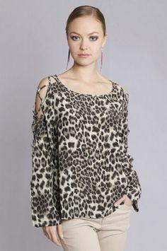 Cut out shoulders leopard top