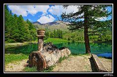 VAL CHISONE - USSEAUX - the fountain and the lake Laux #valchisone #torino #pinerolo #alps #lake #pragelato #montain #piedmont #travel #dream #green #albergian #montagne