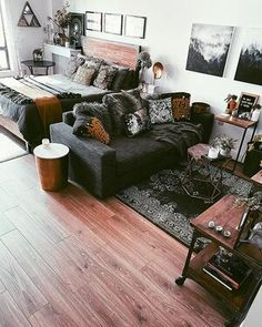Studio Apartment Furniture, Studio Apartment Living, Tiny Studio Apartments, Studio Apartment Layout, Design Apartment, Apartment Interior, Home Interior, Apartment Ideas, Studio Living