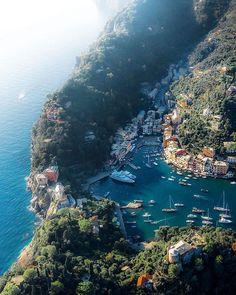 Portofino, Italy 🇮🇹 Photo by: [IG] The Places Youll Go, Places To See, Magic Places, Portofino Italy, Positano Italy, Sorrento Italy, Verona Italy, Naples Italy, Tuscany Italy