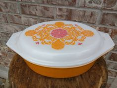 Check out this item in my Etsy shop https://www.etsy.com/listing/234156227/beautiful-pyrex-pink-orange-floral