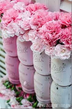 lovely painted mason jars with pink carnations. cheap and diy flowers composition for a vintage inspired country wedding Pink Mason Jars, Mason Jar Flowers, Painted Mason Jars, Mason Jar Flower Arrangements, Mason Jar Vases, Jar Candles, Floral Arrangement, Pink Love, Pretty In Pink