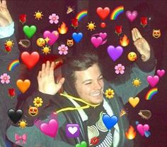 Ideas For Memes Reaction Love Memes, Best Memes, Guys My Age, Heart Meme, One Direction Humor, Heart Emoji, Wholesome Memes, Louis Williams, Reaction Pictures