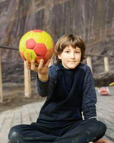 🇹🇩 Proud Romanian Handball Team 🤾♂️ @ Înscriere Handbal Copii ani❗️ 🏆 @ Handbal Club Sportiv Tectonic ☎️ 0727699888 ❤️ @ Suflet de campion Kids Sports, Girls Generation, Soccer Ball, Sport Outfits, Photoshoot, Club, Wallpaper, Boys, Pictures