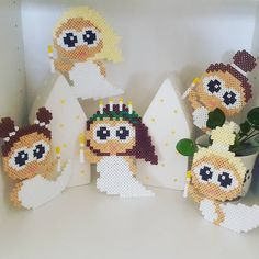 Små luciabrude klar til jul❄ Lavet ud fra #anjatakacs små flyvende feer 😉 #hamaperler Christmas Tree Ornaments To Make, Christmas Diy, Pearler Beads, Fuse Beads, Bead Crafts, Diy And Crafts, International Craft, Hama Mini, Hama Beads Design
