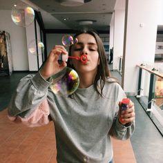 Фото инстаграм идеи для фот photo instagramm Girl Photography Poses, Tumblr Photography, Outdoor Photography, Creative Photography, Instagram Feed Tips, Best Photo Poses, Photoshoot Themes, Foto Casual, Insta Photo Ideas