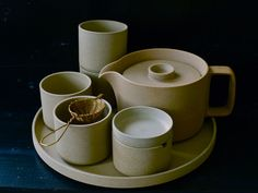 Hasami Porcelain Tea Service | BELLOCQ
