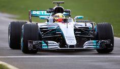 F1   Svelata la Mercedes W08: la nuova freccia d'argento fa già paura