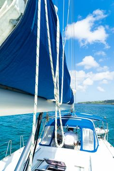 Learning to sail is amazing. Learning to sail with LTD Sailing in the Grenadines is a once in a lifetime adventure!  #Sailing #Grenadines #Caribbean
