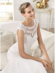 How much skin you want to show can also be very well decided if you choose a V-neck gown.