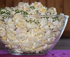 Sałatka tortellini z szynką i ananasem Appetizer Recipes, Salad Recipes, Healthy Recipes, Savory Pastry, Polish Recipes, Potato Salad, Food Porn, Food And Drink, Cooking