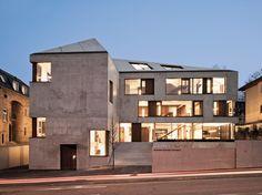 http://www.architektourist.de/2012/10/24/monolith-aus-sichtbeton/