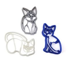 Sailor Moon Cookies! Celebrate your love for classic shoujo magical girl anime with cookies of the kitties of planet Mau! Artemis, Luna, and Diana! There are lots of other Sailor Moon cookie cutters i