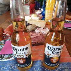 Erstmal Frühstücken  Montags machen wir nix Corona Beer, Beer Bottle, Drinks, Food, Drinking, Beverages, Eten, Drink, Meals