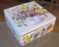 Decoupage tee box by aivitahenina on Etsy Decoupage Box, Decoupage Vintage, Fabric Painting, Painting On Wood, Dyi Decorations, Tea Box, Pretty Box, Altered Boxes, Keepsake Boxes