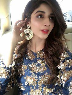 Beautiful Mawra Hocane Looking Super Gorgeous in Royal Blue at Pakistani Comedy Show Mazaak Raat! Styled by #HaiyaBokhari Makeup by #Nabila_Salon #PakistaniFashion #PakistaniCelebrities ✨