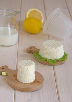 ricotta e formaggio fatti in casa