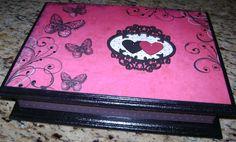 Casamento: caixa para madrinhas ou mães, com divisórias, decorada com scrap, aplique em MDF, arte francesa  e cristais- 1