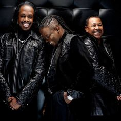 members of the group EARTH, WIND & FIRE