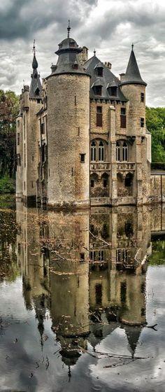 bonitavista: Vorselaar Castle, Belgium photo via martha