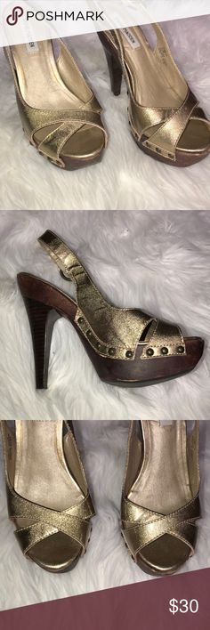 """Steve Madden Pumps ! Great Condition ! Like New  Height -  5"""" Steve Madden Shoes Heels"""