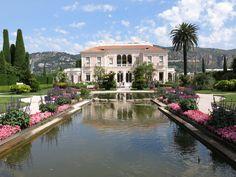Jardin a la francaise, France Mediterranean Architecture, Mediterranean Homes, Wooden Windows, Large Windows, French Formal Garden, Stucco Walls, Ferrat, Lush Garden, France