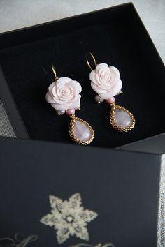 Купить Серьги розы с розовым кварцем - бледно-розовый, серьги с цветами, серьги цветы