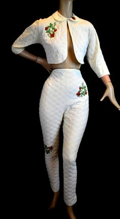 Vintage 1950s Pinup Pants Bolero - Rockabilly Loungewear - Ivory Quilted - Strawberry Applique suit outfit white novelty print cigarette pant capri