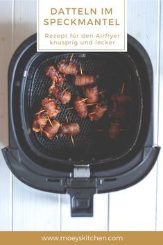 Recipe for the classic tapas dates in bacon prepared in the Airfryer without any additional fat Tapas, Bacon Wrapped Dates, Bacon Dates, Clean Eating, Healthy Eating, Actifry, Snacks, Air Fryer Recipes, Finger Foods