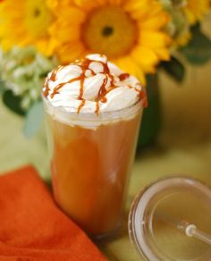 10 Hot Holiday Coffeehouse Drinks to make at home