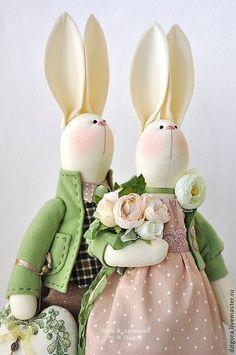 Animales de juguete, hecho a mano.  Familia de conejos primavera.  Jigoro Natalia.  Masters Feria.  Familia de regalo conejos para parejas
