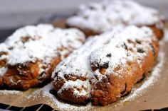 Quark stollen with Hermann - a doughy chain letter - Herbs & Chocolate - Trend Mayonaise Cake Recipe 2020 Banana Bread Recipes, Cake Recipes, Mayonaise Cake, Vegan Crackers, Salad Dressing Recipes, How To Make Chocolate, Pain, Food And Drink, Tasty