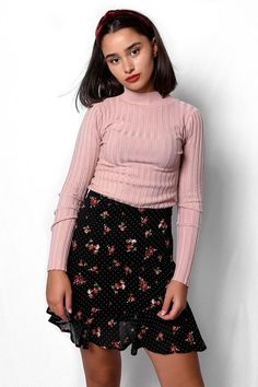 Φούστα μίνι φλοράλ μαύρη με βολάν SKI027 Vintage Skirt, Mini Skirts, Floral, Black, Fashion, Moda, Black People, Fashion Styles, Flowers