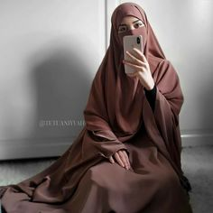 Stylish Hijab, Casual Hijab Outfit, Hijab Chic, Hijab Dress, Muslim Women Fashion, Islamic Fashion, Mode Abaya, Mode Hijab, Niqab Fashion