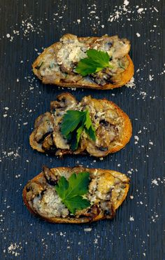 Give this terrific vegetarian appy a try!  http://oracibo.com/recipe/mushroom-crostini/