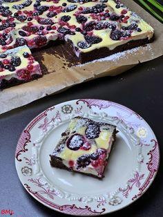Schokoladen-Beeren-Cheesecake…so lecker und fruchtig Chocolate berry cheesecake … so tasty and fruity – baking with passion Easy No Bake Cheesecake, Berry Cheesecake, Homemade Cheesecake, Cheesecake Recipes, Cheesecake Bites, Healthy Dessert Recipes, Health Desserts, Healthy Baking, Easy Desserts
