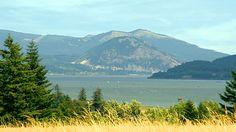 The Columbia River Gorge photographed from Stevenson, WA. Columbia River Gorge, Creative Photography, Original Image, Mount Rainier, Mountains, Nature, Travel, Naturaleza, Viajes