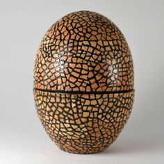 The box that inspired us - the Mosaic Eggshell Box. Made in Thailand by Nantana Sompamitre, using eggshells and lacquer.  Amazing.