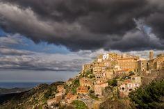 Speloncato en Haute-Corse : Les plus beaux villages perchés de France - Linternaute