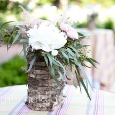 Country-Inspired Wedding Flower Arrangements - The Wedding Specialists