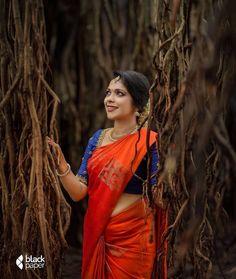 Indian Bridal Sarees, Bridal Silk Saree, Indian Bridal Outfits, Indian Bridal Fashion, Kerala Saree Blouse Designs, Saree Blouse Neck Designs, Half Saree Designs, Engagement Saree, Engagement Jewellery