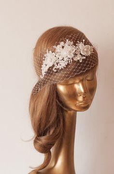 Braut Spitze Haarband mit Schleier, Elfenbein von Ancora Boutique auf DaWanda.com