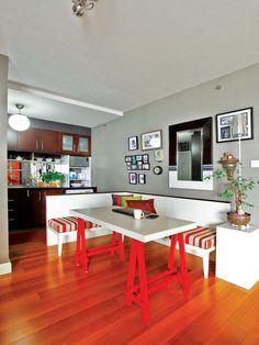 iDEA Online - Interior - Dapur - Dapur Mungil Ala Restoran Dengan Kursi Penyekat - Dapur ala restoran